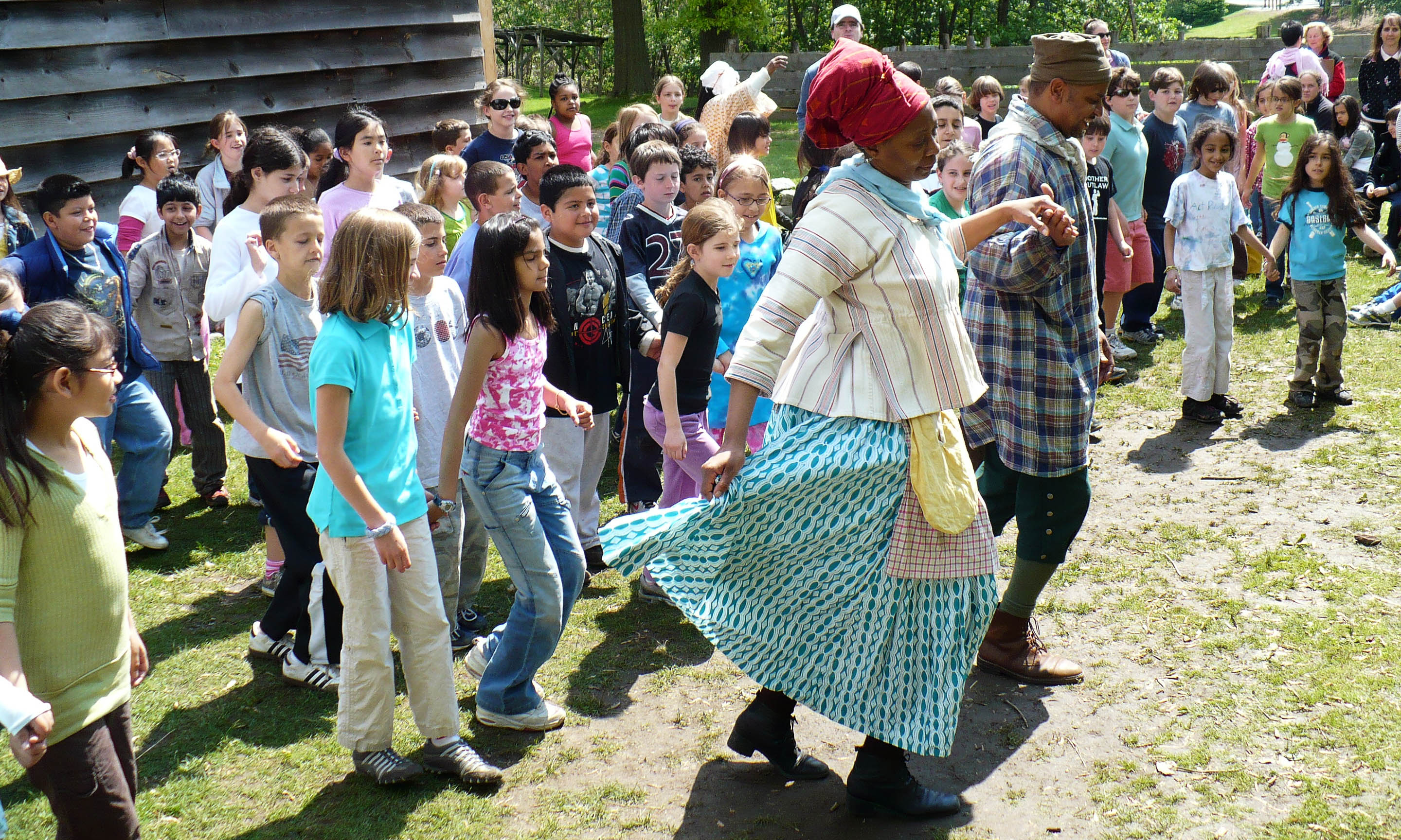 Students participate in music and dance at Philipsburg Manor